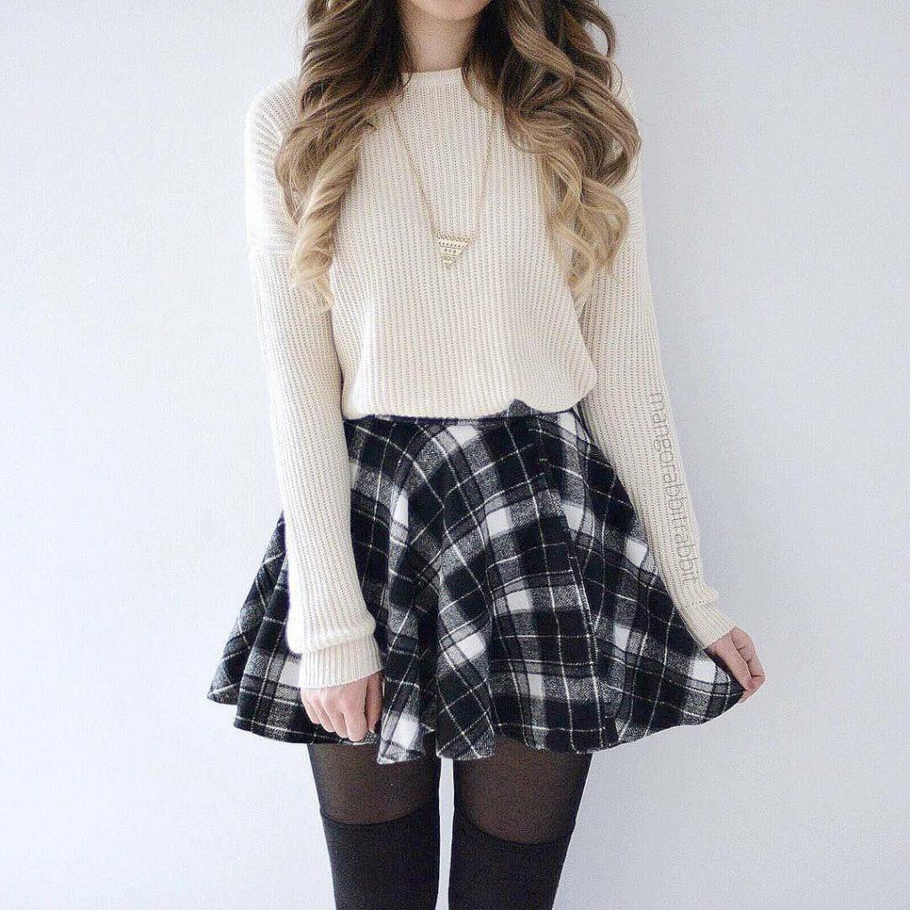 look tumblr de inverno com meia calça e saia