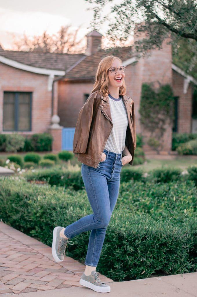 looks com tenis calça jeans