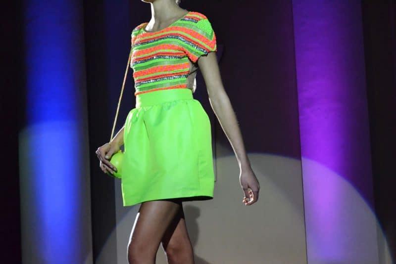roupa neon para aniversariante