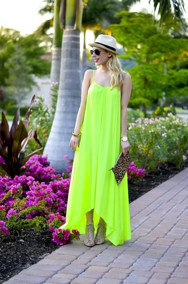 vestido longo neon