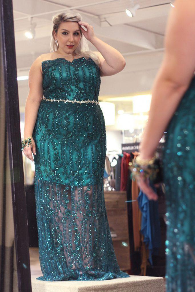 modelos de vestidos para formatura plus size 2019