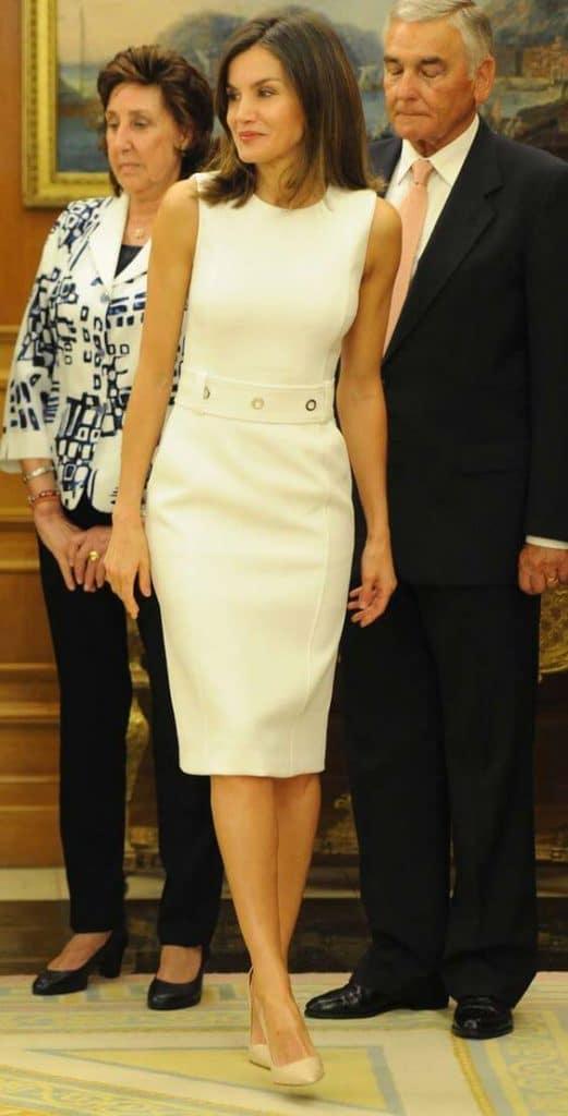 Vestidos tubinho da Rainha Espanhola Letizia