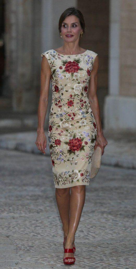vestido tubinho floral