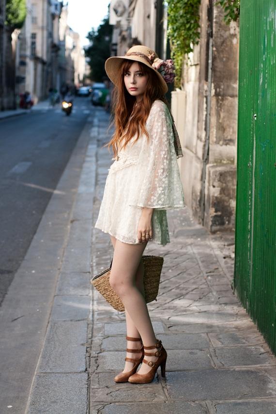Modelo de Vestido de Renda branco