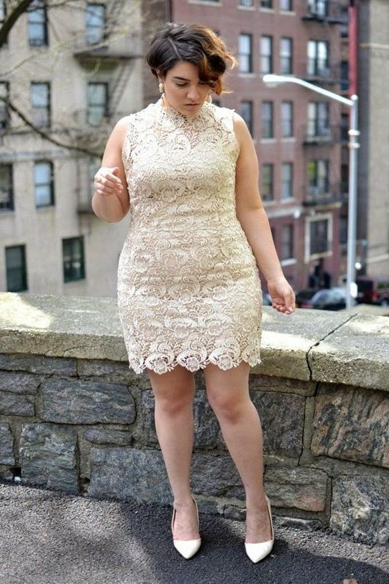 Modelo de Vestido de Renda curto para festa