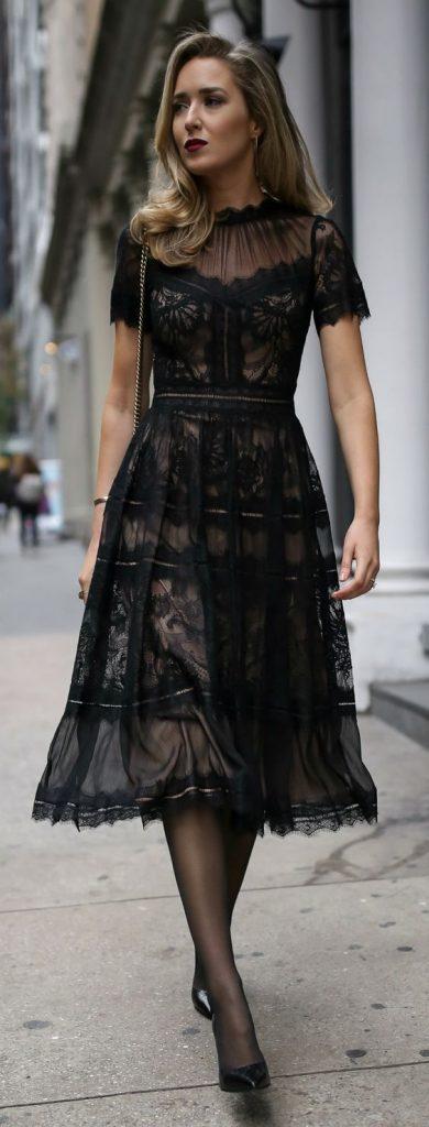 Modelo de Vestido de Renda preto