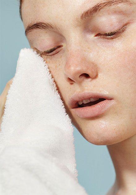Maquiagem passo a passo: limpar pele preparação da maquiagem