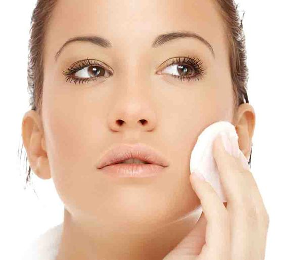 Maquiagem para Noite: preparação de pele