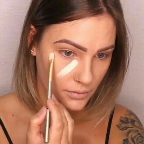 Maquiagem para Noite: passando base