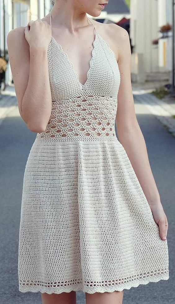 Vestido de crochê curto branco