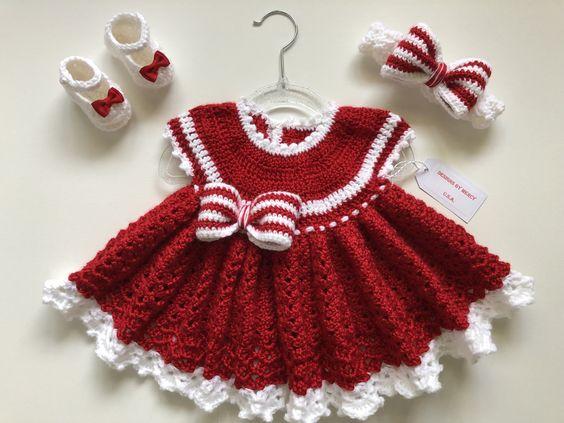 Vestido de crochê para bebê vermelho com branco e laço