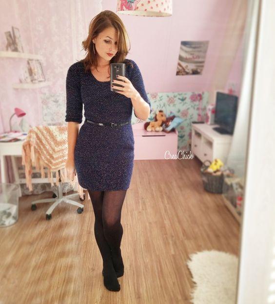 Vestido de crochê curto azul com meia calça