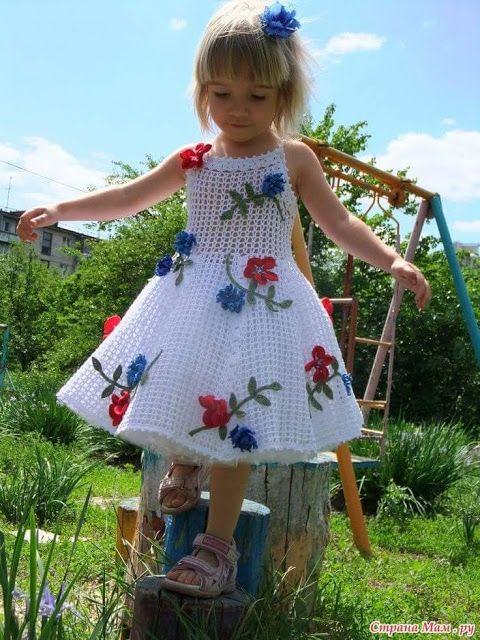 Vestido de crochê infantil branco com flores