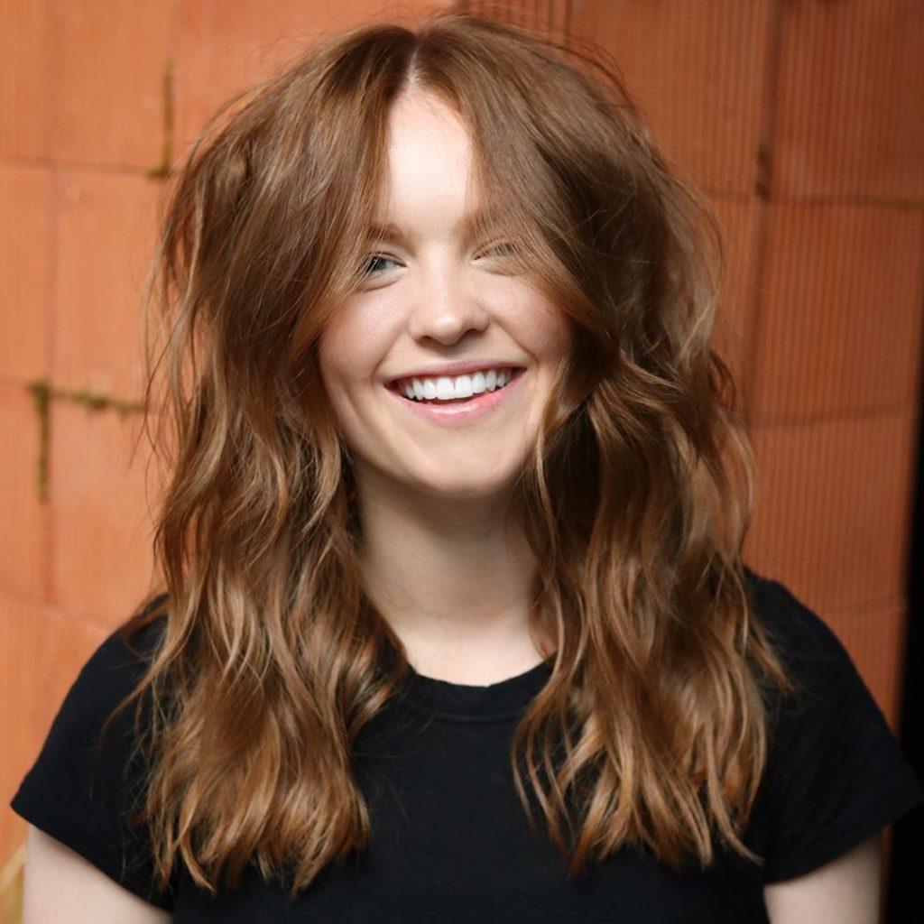 Corte de cabelo para rosto redondo, longo