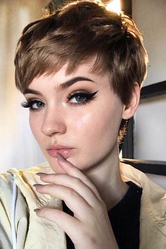 Corte de cabelo para rosto redondo, pixie cut