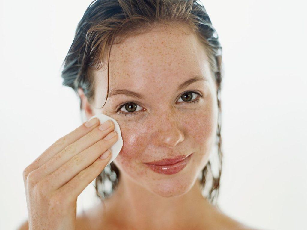 Tirar mancha do rosto