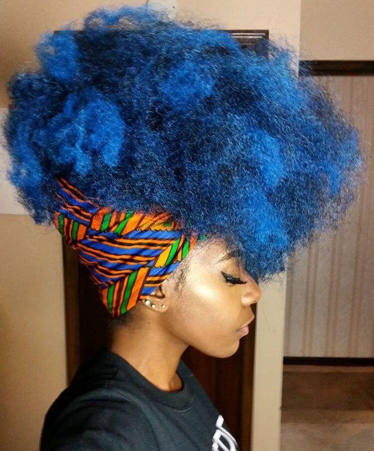 Crespo azul com turbante