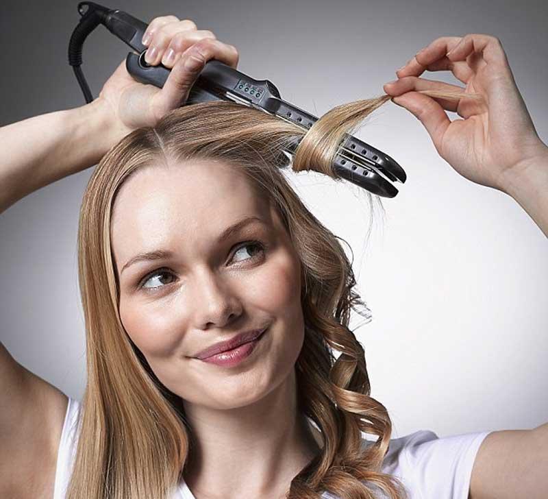 Passo a passo de cachos com chapinha no cabelo longo