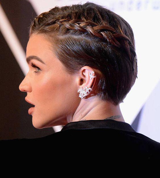 Penteados com tranças em cabelo curto