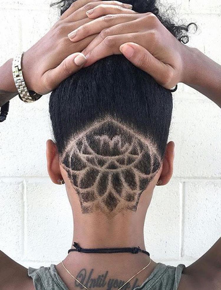 Undercurt desenho no cabelo com cachos