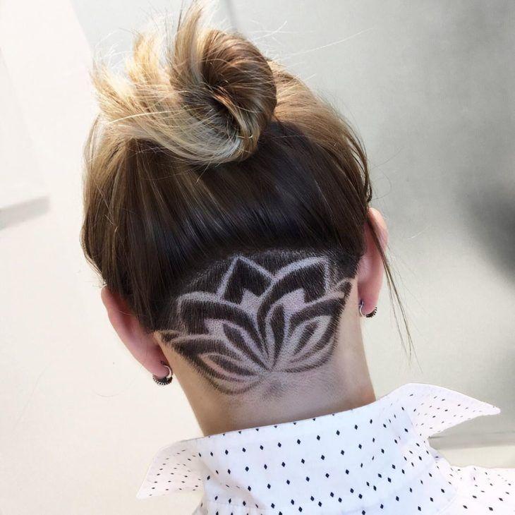 Undercut desenho flor de lótus