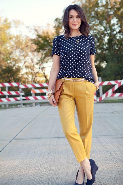 Blusa poá com calça amarela