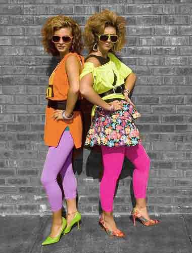 Roupa anos 80 calça colorida