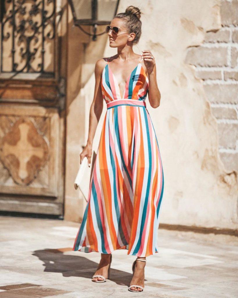 vestido listrado vertical com cores