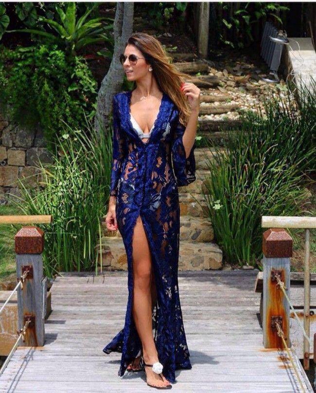 Mulher com roupa de verão