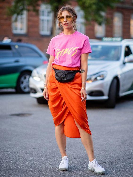 Pochete com saia laranja