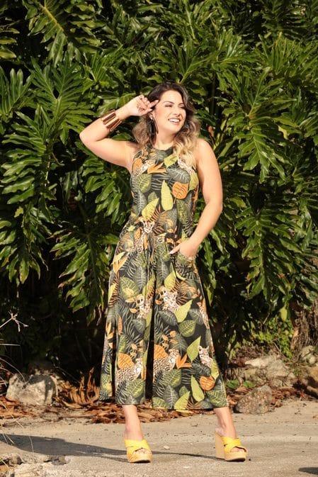 O que vestir no verão macacao com folhas