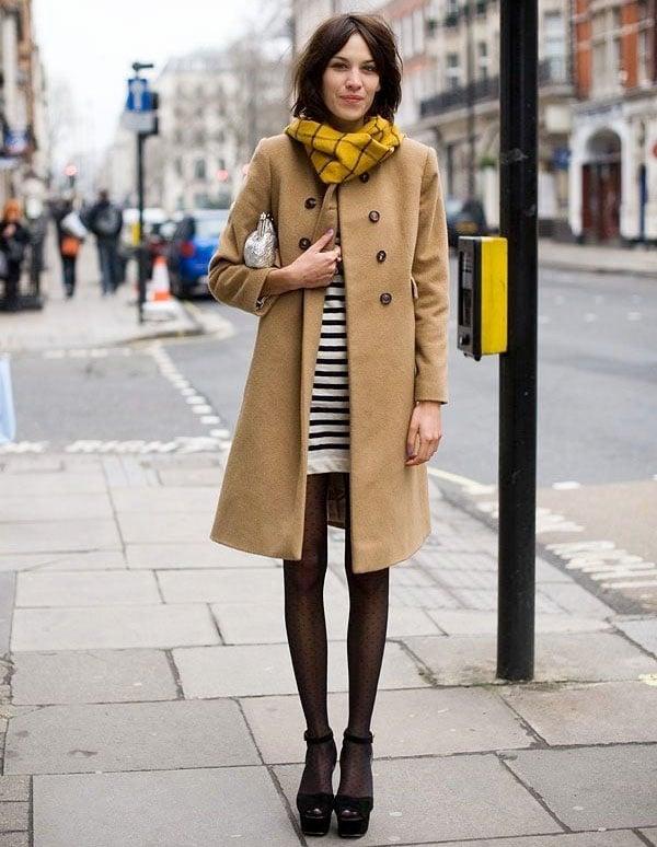 mulher com casaco de inverno