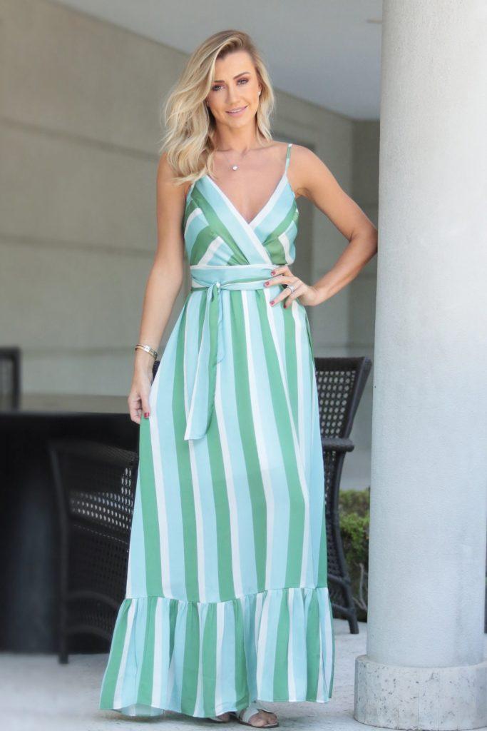 roupa de verão azul e verde