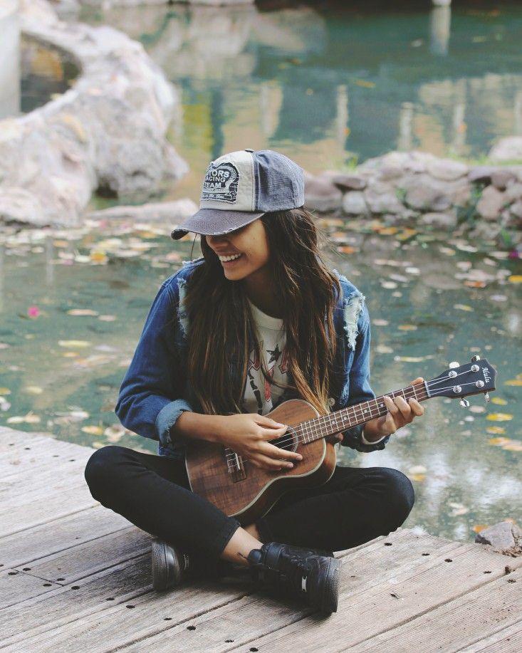 muler tocando musica