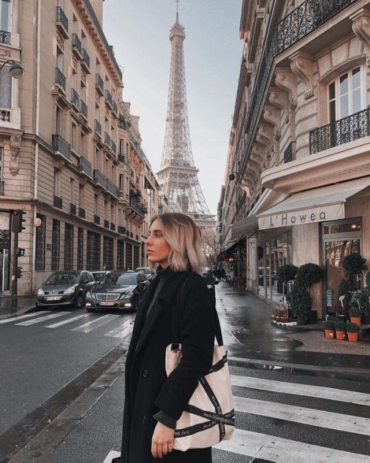 Mulher em Paris