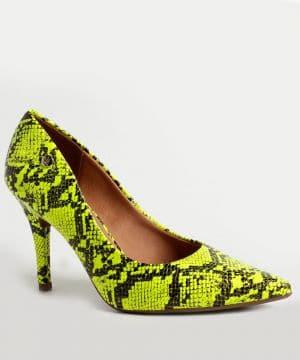 scarpin neon cobra sapato da moda
