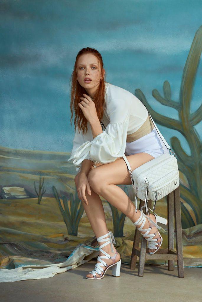 sandália de fitas branca