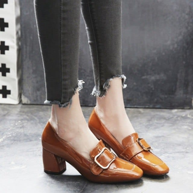 sapatos femininos de couro com fivela