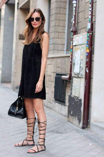 tipos de sapatos femininos com vestido preto