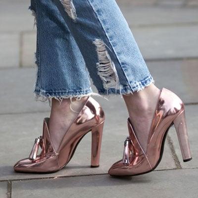 sapatos femininos metalizados cromo
