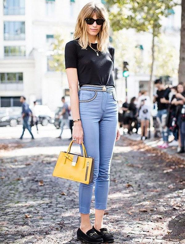 tipos de sapatos femininos com camiseta preta