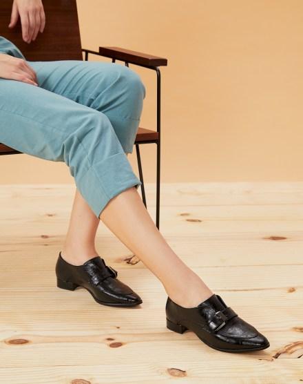 sapatos femininos com fivela