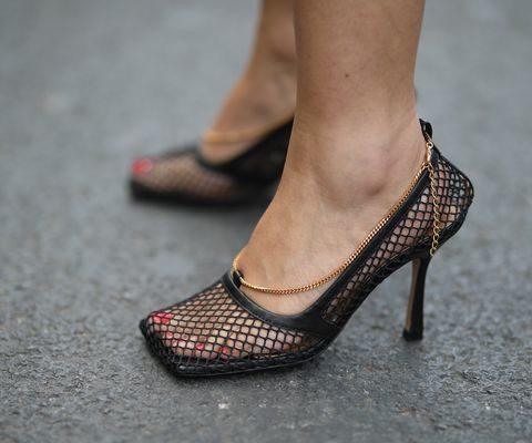 sapatos femininos bico quardado scarpin
