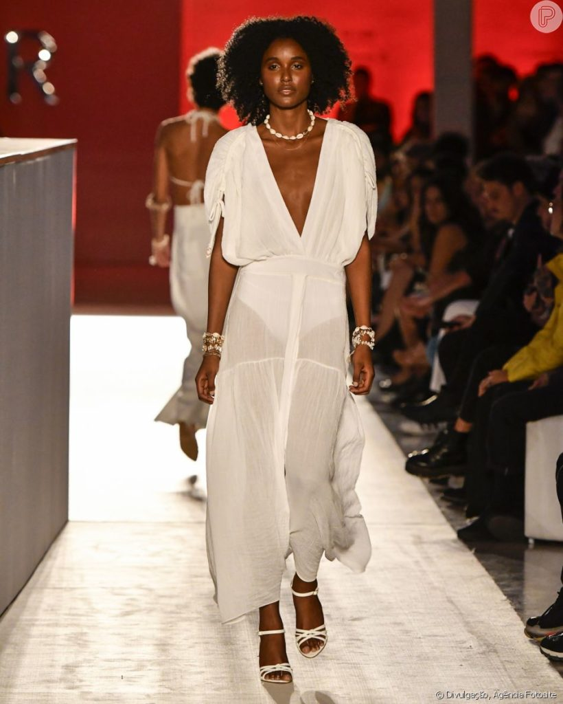 sandálias 2020 com look branco