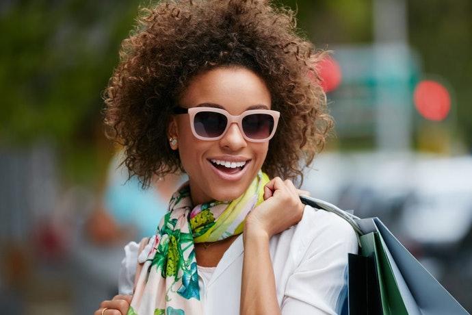 óculos de sol armação rosa
