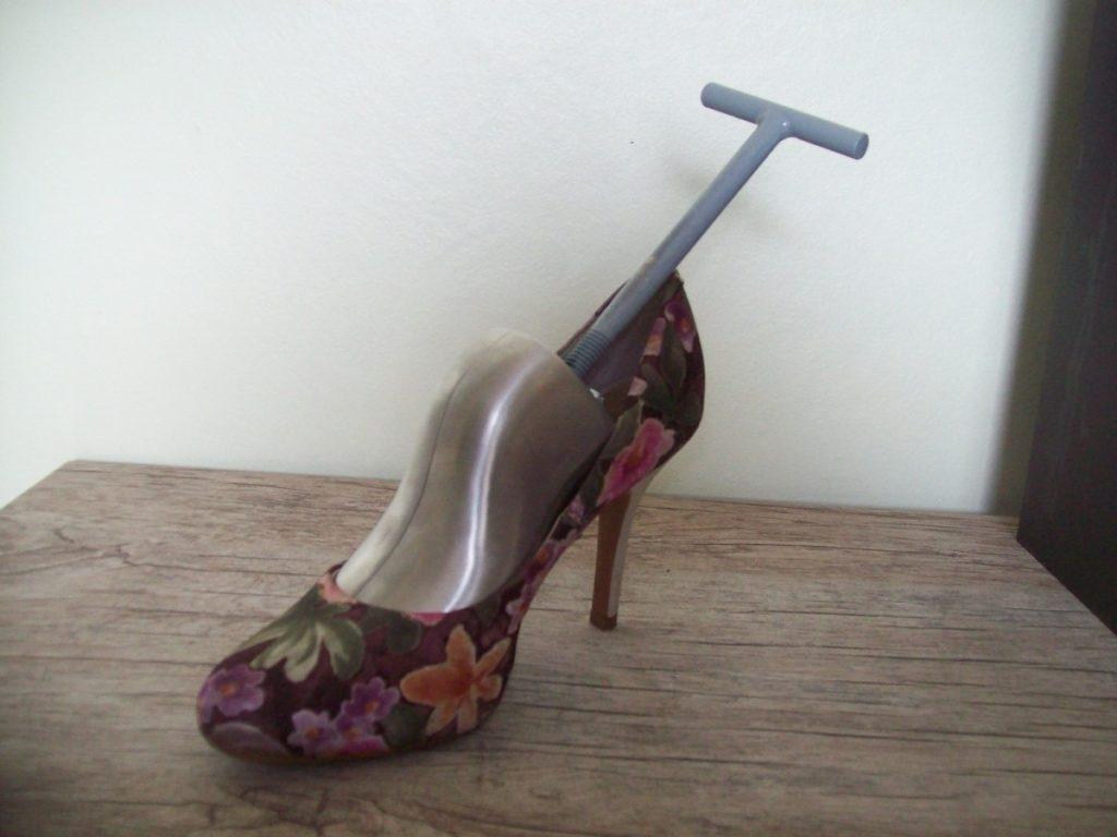 modelador de sapatos