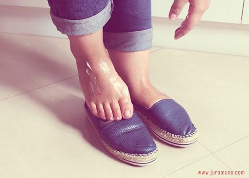 como lacear sapato com hidratante
