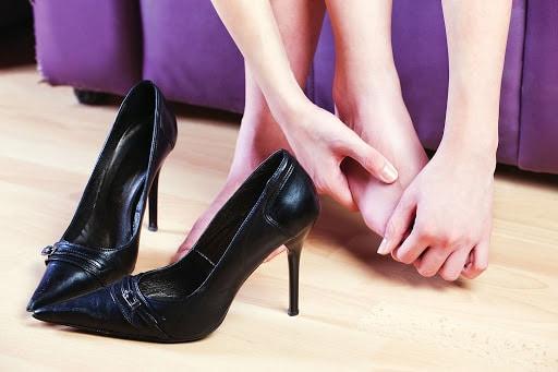pés doloridos