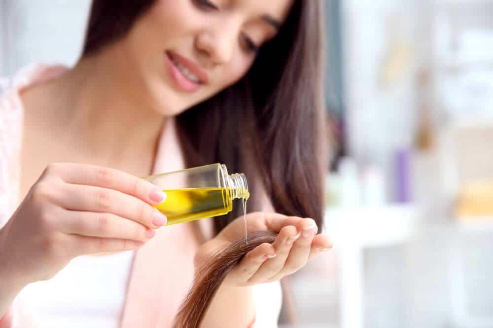 óleo de rícino nos cabelos