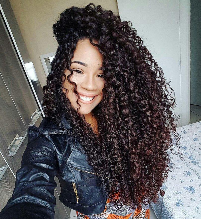 mega hair cacheado longo cor marsala
